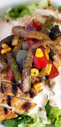 Chicken Fajita Salad - Yellow Bliss Road