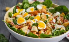 White bowl filled with spinach salad with bacon hard boiled eggs and crouto Pesto Pasta, Crab Pasta Salad, Simple Spinach Salad, Bacon Spinach Salad, Perfect Pizza Dough Recipe, Quick Pickled Red Onions, Quinoa, Potato Salad With Egg, Egg Salad