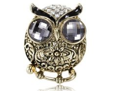 Shop for Owl Scarf Clip Rings, OKA Jewelry Vintage Owl Scarf Rings Silver is perfect for your owl jewelry collection. Owl Scarf, Scarf Rings, Vintage Owl, Owl Jewelry, How To Wear Scarves, Scarf Styles, Bracelet Watch, Silver Rings, Skull