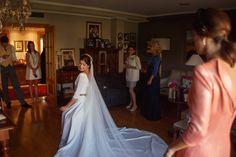 Clientas que se sienten reinas por un día con su vestido de novia y a nosotras nos hacen sentir tremendamente felices. Imagen: @fotocracia