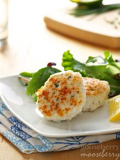 Fiskekaker, Norwegian Fish Cakes (Makes about 6 fish cakes) You will need: 1 lb… Norwegian Cuisine, Norwegian Food, Fish Recipes, Seafood Recipes, Healthy Recipes, Diabetic Recipes, Drink Recipes, Healthy Eats, Recipies