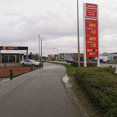 benzine (E10):  1609 / diesel (B7):  1289 #TBtanken. Dit zijn de actuele #brandstofprijzen (01-02-20) bij; Sietsema Uithuizen. February 01 2020 at 12:27PM
