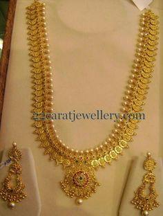 Jewellery Designs: Kasu Mala with Chandbalis 150 Gms Jewelry Design Drawing, Gold Jewellery Design, Gold Jewelry, Beaded Jewelry, Jewelry Accessories, Long Pearl Necklaces, Gold Necklace, Necklace Set, Pendant Necklace