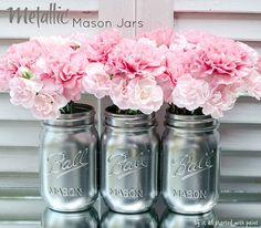 silver-painted-mason-jar-metallic-final. 5. Metallic mason jar vases.  To achieve this look, simply coat the mason jars in silver or metallic spray paint. Voila! These make amazing table decorators for dinner parties.