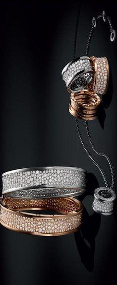 Bvlgari Diamond Bangles n Ring Diamond Bangle, Diamond Pendant Necklace, Diamond Jewelry, Jewelry Box, Jewelry Accessories, Fine Jewelry, Jewelry Design, Bling Bling, Italian Jewelry