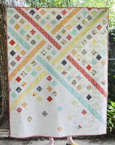 Modern Trellis - Must Love Quilts. part of the modern quilt guild's 2013 michael miller challenge Jellyroll Quilts, Scrappy Quilts, Baby Quilts, Memory Quilts, Quilting Fabric, Quilting Projects, Quilting Designs, Quilt Design, Quilting Ideas