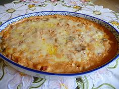 CHICKEN ENCHILADA DIP This is a great Cinco de Mayo dip, let alone for other times.  It feeds a crowd.