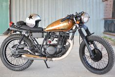 Yamaha-SR250-Custom-by-Gamberra-CHM