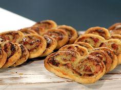 Добре познатите сладки бисквитки, тук по наш вкус приготвяме с плънка от пекорино, пушена шунка и крем сирене