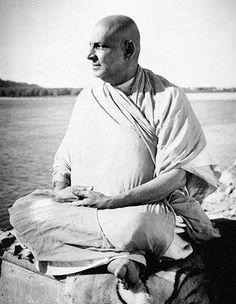 Swami Sivananda   One of the greatest Yoga masters of the 20th century, Swami Sivananda, is the inspiration behind the Sivananda Yoga Vedanta Centres. The teachings of Master Sivananda are summarized in these six words: Serve, Love, Give, Purify, Meditate, Realize.