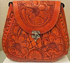 Leather Tooling, Cowhide Leather, Tan Leather, Leather Purses, Leather Handbags, Large Shoulder Bags, Shoulder Purse, Game Of Thrones Shirts, Red Handbag