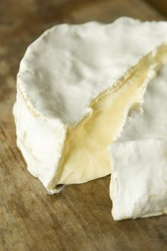 Brillat Savarin, a triple cream cheese from France similar to brie but much richer. Fromage Cheese, Queso Cheese, Wine Cheese, Brie, Fondue, Farmers Cheese, Cheese Maker, French Cheese, Savarin