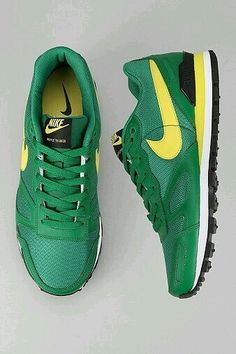timeless design f6885 4d9e6 Nike Air Waffle Trainer Sneaker Pre-Classics, They even carry the UO colors.