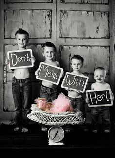 adorable sibling/new baby photo idea!