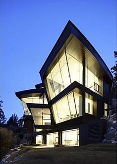 Architectural tour de force above Lake Tahoe
