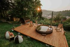 Built in an arboretum with rare tree species in the town of Sighişoara, Cosama Village welcomes you in its green surroundings with panoramic city views. Urban Furniture, Outdoor Furniture Sets, Barbecue Garden, Outdoor Dining, Outdoor Decor, Top 5, Dream Vacations, Glamping, Places To Go