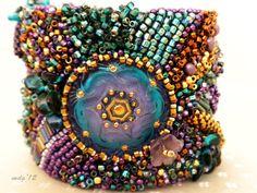 Zingala's Workshop: Some bead embroidery