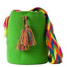 comprar bolso wayuu en madrid, wayuu, croche, bolsos hecho a mano, producto artesanal, bolsos tribales, tribalchic, tribal, bolso artesanal, bolso wayuu, bolsos wayuu, algodon, colombia, bolsos, hecho a mano Cotton Bag, Cotton Thread, Fabric Drawing, Hippie Outfits, Hand Knitting, Bucket Bag, Chevron, Knit Crochet, Purses