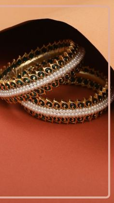 There's always a place for vintage beauty! Aabha antique bangles are specially crafted for modern Indian woman with a touch of vintage look. The combination of pearls, green kempu stones and antique gold will always give a perfect classic look. Gold Bangles Design, Jewelry Design, Gold Designs, Antique Necklace, Summer Jewelry, Vintage Beauty, Wedding Bells, Antique Gold, Necklace Set