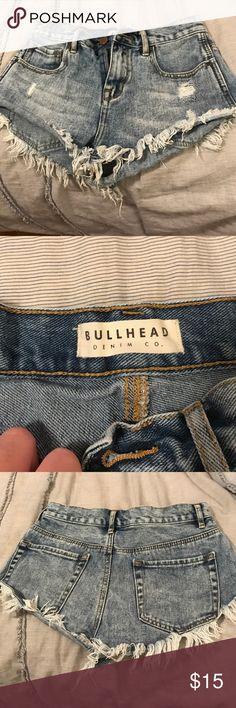 Bullhead size 0/XS shorts! Worn a couple times, fit perfect PacSun Shorts Jean Shorts