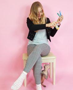 Lea a Bonýsek🐱 Hannah Montana, Bari, Funny Pins, Youtubers, Girl Fashion, Celebrity, Instagram, Women's Work Fashion, Girl Clothing