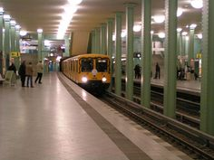 auf Gleis.1 des U-Bahnhofes Alexanderplatz Einfahrt des U-Bahnwagen Typ E III 5. An dem Tag gab es Sonderfahrten mit dieser Baureihe. (Berlin 18.12.2005) Bahn Berlin, Underground Tube, Metro Subway, S Bahn, Metro Station, Spotify Playlist, Allotment, Playlists, German
