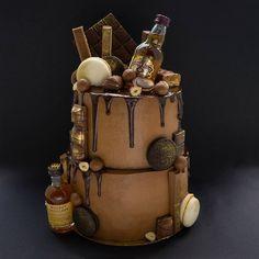59 отметок «Нравится», 19 комментариев — ТОРТЫ НА ЗАКАЗ (@inga_papkina) в Instagram: «EXTRA ШОКОЛАДНЫЙ ТОРТ для мужчины 3,7 кг Внутри шоколадно-миндальный бисквит,карамельный…»