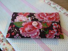 Pochette Kleenex imprimé fleurs roses sur par EmmaFlorenceParis