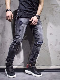 Black slim fit jeans with blue pacthes. show-stopper. PLEASE NOTE THE LENGTH IS 33 (FOR ALL WAIST SIZES) size : W x L (Waist x Length) -97% Cotton / 3% Elastan -Button Fly -SLIM FIT