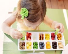 toddler's lunch in an ice tray! even I would want to eat my fruits and veggies this way :)