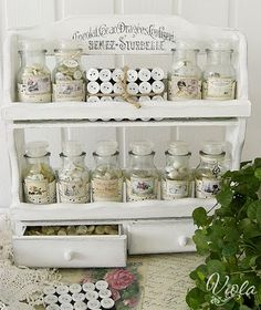 This would be a really cute way to store all my beads