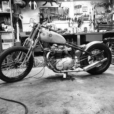 Triumph bobber 56