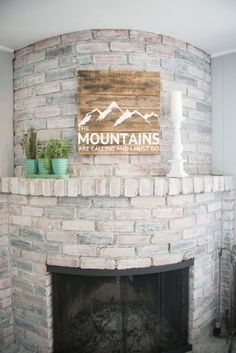 Use Pallet Wood Projects to Create Unique Home Decor Items – Hobby Is My Life Gold Home Decor, Unique Home Decor, Cheap Home Decor, Diy Home Decor, Ski Decor, Wall Decor, Barn Wood Crafts, Pallet Crafts, Diy Home Crafts