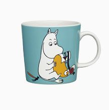 Children and adults alike fall in love with the sympathetic characters of Moomin Valley as created by the author Tove Jansson. The Arabia artist Tove Slotte-Elevant has designed the delightful Moomin objects in keeping with the original drawings. Tove Jansson, Moomin Mugs, Moomin Shop, Moomin Valley, Fun Cup, Porcelain Mugs, Christmas Gift Guide, Marimekko, Soft Furnishings