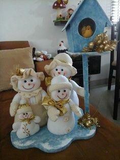 Cabello Vintage Santa Claus, Vintage Santas, Xmas Ornaments, Christmas Decorations, Holiday Decorating, Handmade Christmas Crafts, Snowman Crafts, Animal Crafts, Felt Animals