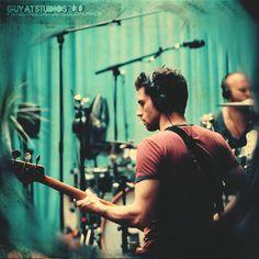 Just Guy Berryman. Chris Martin Coldplay, Phil Harvey, Jonny Buckland, British Rock, Britpop, Music Photo, Dark Horse, Rock Music, Waterfalls