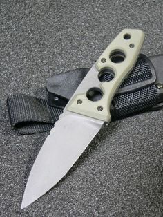 Full Of Weapons: Nemoto Knives Swords And Daggers, Knives And Swords, Survival Knife, Survival Gear, Forging Metal, Iron Steel, Cool Knives, Fixed Blade Knife, Tactical Knives