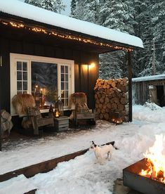 6 Best Outdoor Christmas Lights You Will Love it - Winter Porch, Winter Cabin, Cozy Cabin, Cozy House, Christmas Lights Outside, Christmas House Lights, Outdoor Christmas, Merry Christmas, Christmas Decorations