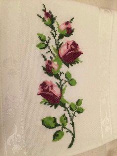 Cross Stitch Embroidery, Towels, Knits, Stitching, Punto De Cruz, Flowers
