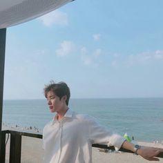 Image may contain: 1 person, ocean, sky, outdoor and water Korean Boys Ulzzang, Cute Korean Boys, Ulzzang Boy, Dong Hae, Kim Dong, Korean Celebrities, Korean Actors, Teen Web, Teen Images