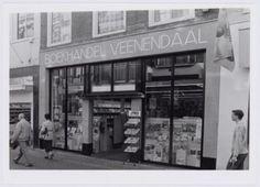 Boekhandel Veenendaal aan de Langestraat 33.