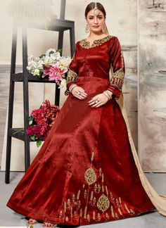 Glorious Red Silk Embroidered Work Designer Anarkali Salwar Suit Robe Anarkali, Costumes Anarkali, Silk Anarkali Suits, Indian Anarkali, Salwar Suits, Abaya Style, Fashion Mode, Abaya Fashion, Eid Dresses