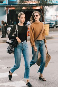 New York Fashion Week весна-лето 2018 - street style New York Fashion, Fashion Week, Look Fashion, Trendy Fashion, Fashion Clothes, Fashion Ideas, Jeans Fashion, Fashion Mode, Fashion Spring