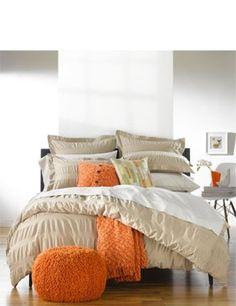 80+ Stylish Wooden Flooring Designs Bedroom Ideas http://qassamcount.com/80-stylish-wooden-flooring-designs-bedroom-ideas/