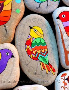 Stone painting (Bird)