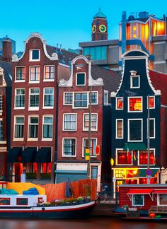 Us Travel, Places To Travel, Places To Visit, I Amsterdam, Colourful Buildings, World Traveler, Rotterdam, Travel Posters, Travel Around The World
