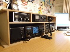 Ham Radio Setup Icom Pro 3 from Radio Stations, Desk Plans, Antique Radio, Office Designs, Home Network, Ham Radio, Office Interiors, Chanyeol, Console