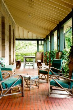 chairs - 10 verandahs you'll want to relax on gallery 1 of 10 - Homelife Outdoor Furniture Sets, Country House, Home Porch, Outdoor Living, Decks And Porches, Brick Patios, Porch And Balcony, Australian Homes, Outdoor Design