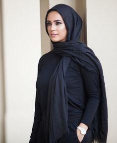 Dresses With Leggings, Leggings Are Not Pants, Muslim Fashion, Hijab Fashion, Verona Collection, Muslim Beauty, Plus Size Designers, Daytime Dresses, Fringe Scarf
