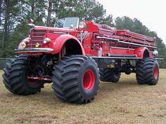 A firetruck monster truck Just for you Randy! Custom Trucks, Cool Trucks, Fire Trucks, Pickup Trucks, Lifted Trucks, Brush Truck, Monster Trucks, Monster Jam, Super Images
